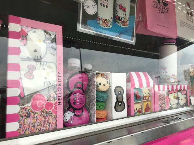 43c28465b Hello Kitty Cafe Truck – LesDudis